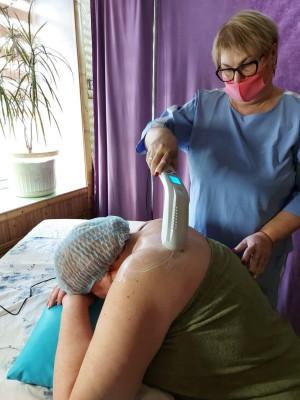 """ультразвуковая терапия  с помощью аппарата """"Дельта Комби"""
